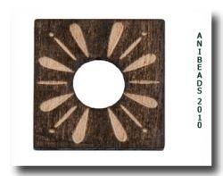 Holzscheibe gelasert Ornam., braun, eckig 20x 20mm