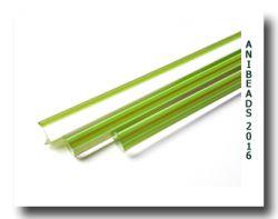 Lauscha transp. weiß, grünen Aventurin Streifen 6,5 - 7,5mm 33cm