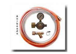 Anschlußganitur (1) für Brenner und Sauerstoffkonzentrator